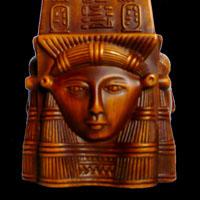 Obélisque Marron Avec Hiéroglyphes Sur Tête De Hathor - 33Ko