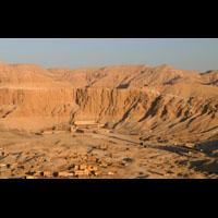 Grande Carte Postale Du Cirque De Deir El-Bahari Et Le Temple D'Hatchepsout - 26Ko