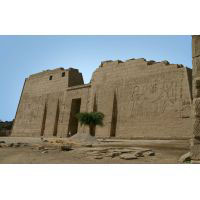Grande Carte Postalede La Façade Du Temple Des Millions D'années De Ramsès III À Medinet Habou, Louxor. - 22Ko