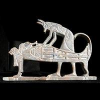 Stéle Anubis Pratiquant La Momification Sur Ramses II, Stéatite Grise - 51Ko