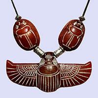 Collier Pendentif Amulette Scarabée Ailé