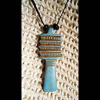 Bijoux Amulette Pharaonique : Le Pilier Djed  En Pierre Stéatite - 49Ko