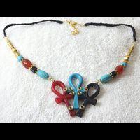Bijoux Pharaonique Pendentif De 3 Amulettes Ankh En Résine, Montage Cuivre Et Pierre, Création Artisanale Lili Lotus Au Caire - 21Ko