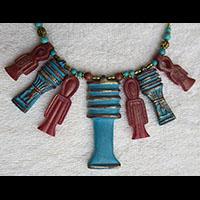 Bijoux Pharaonique Pendentif De 5 Amulettes Djed, Tits Et Ankh En Résine, Montage Cuivre Et Pierre, Création Artisanale Lili Lotus Au Caire - 43Ko